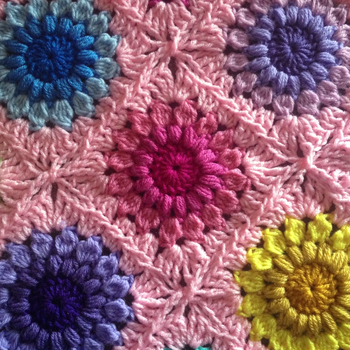 Sunburst Flower Blanket Tutorial
