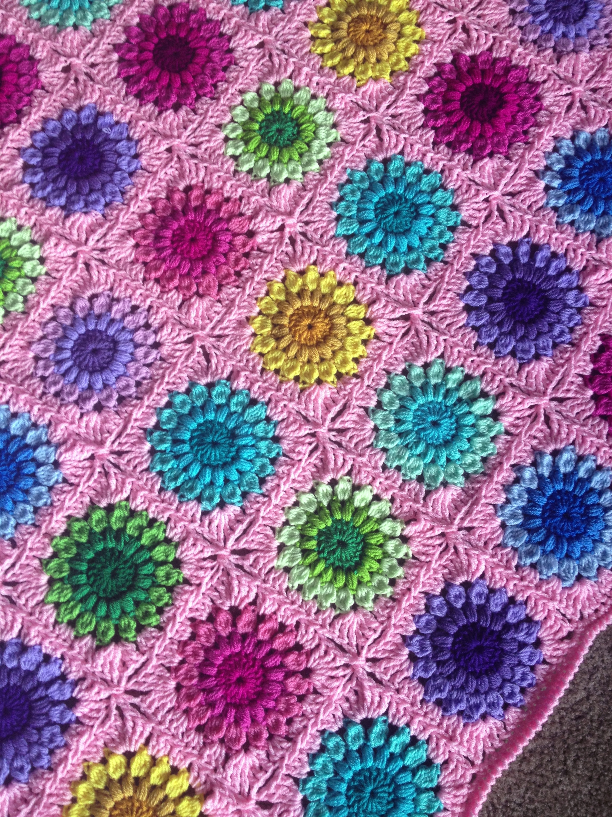Crochet Sunburst Flower Blanket Free Tutorial Plus