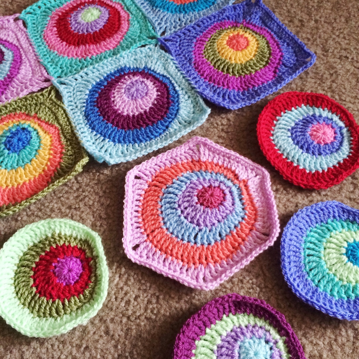 Offset Circles Blanket - Pattern available!